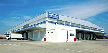 ホーチミンとバンコクに定温倉庫を保有。さまざまな温度帯に対応し、食品などの分野において安全な保管体制を構築。