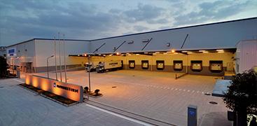 常熟に定温物流センターを開設。高度な温度管理機能や防塵対策設備の充実により、精密機器や化学品の保管も可能。